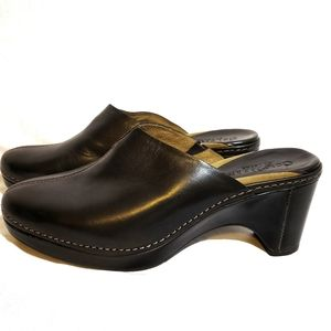Cole Haan Country Black Slip-on Clogs size 8